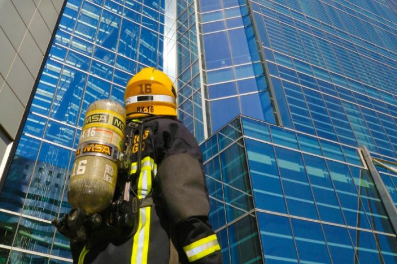 500 bomberos subirán los 1,800 escalones del Costanera Center para promover e incentivar la donación de órganos