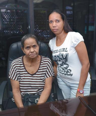 Mujer solicita ayuda para trasplante de hígado