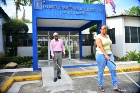 200 cirugías y trasplantes realiza anualmente Patronato de Ciegos