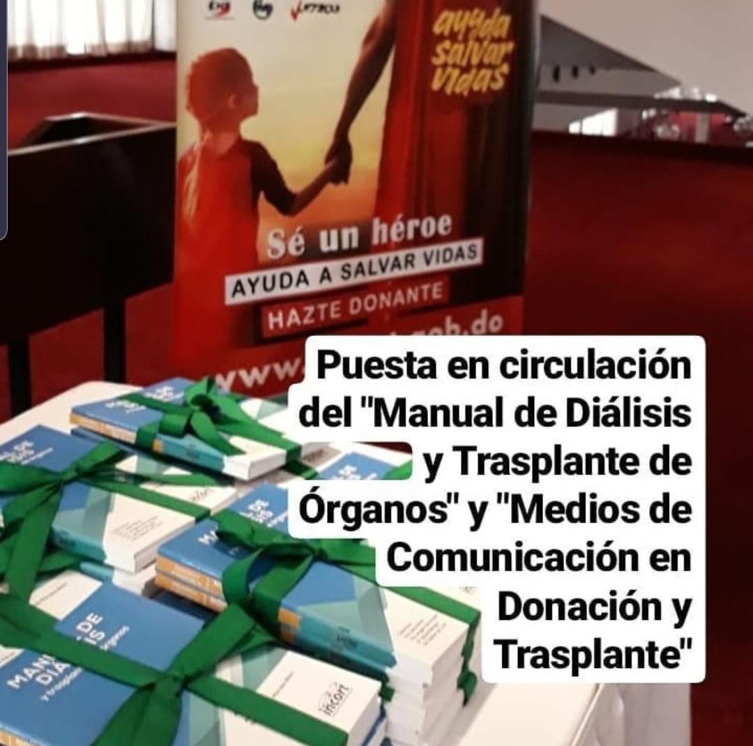 """Circulación los libros """"Manual de Diálisis y Trasplante de Órganos"""" y """"Medios de Comunicación en Donación y Trasplante"""" / INCORT"""