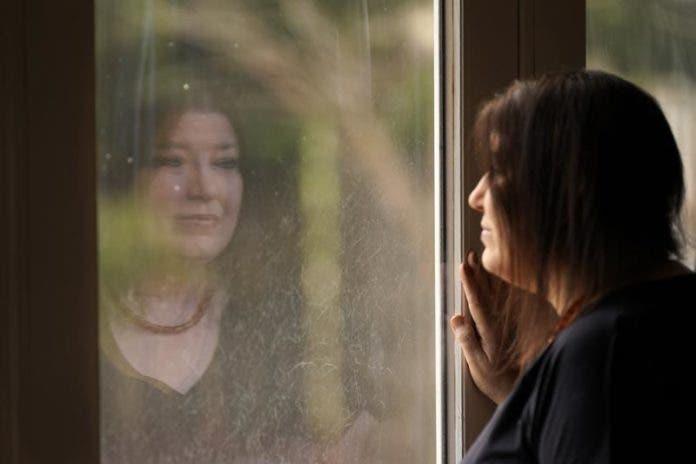 Una enfermera de EEUU sobrevive de milagro al COVID-19 gracias a un doble trasplante de pulmón y a una voluntad de hierro