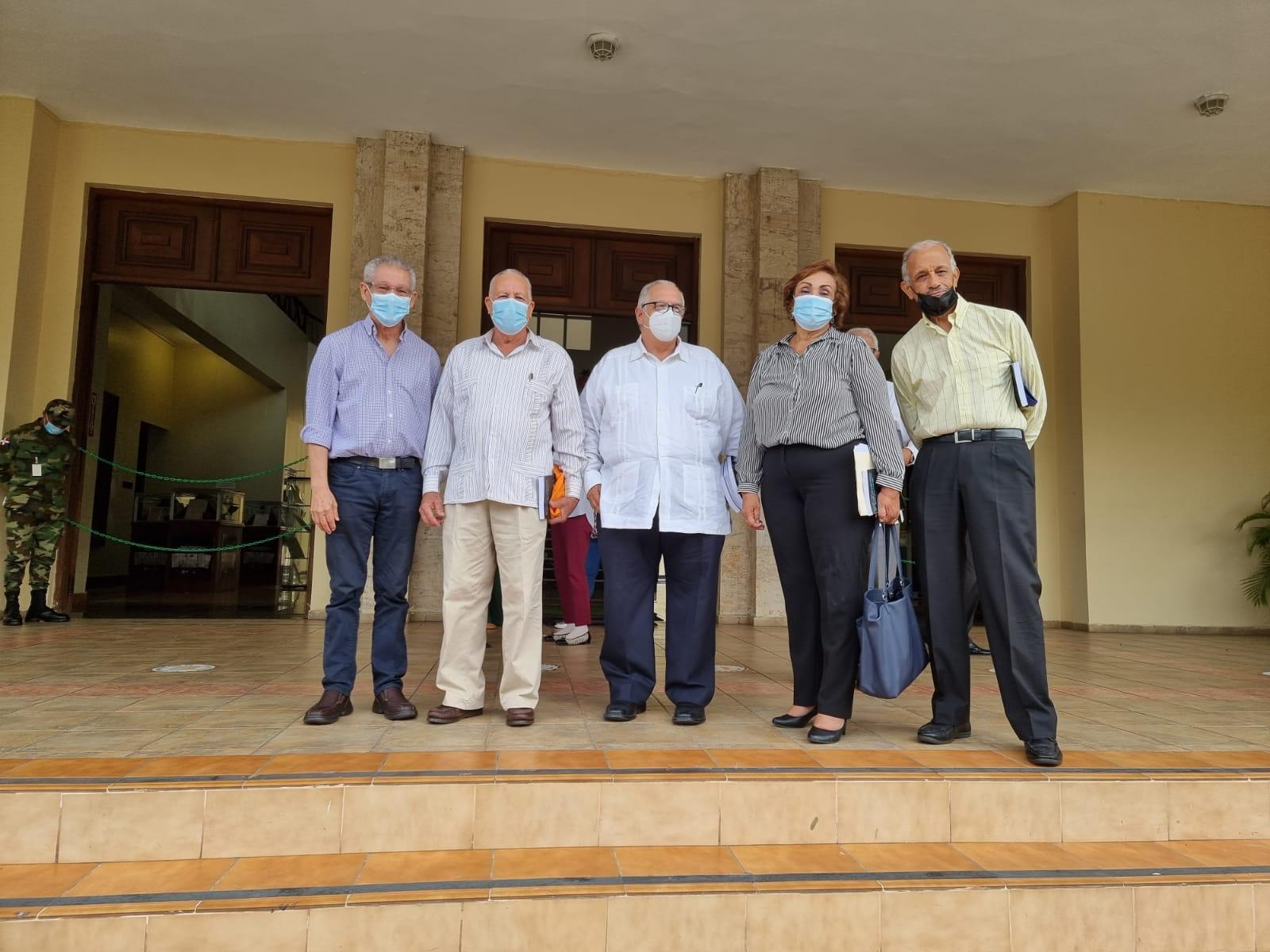 """Doctor Morales Billini publica la obra """"Salud y seguridad social en República Dominicana"""""""
